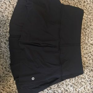 Lululemon skirt size 6 never dried in dryer